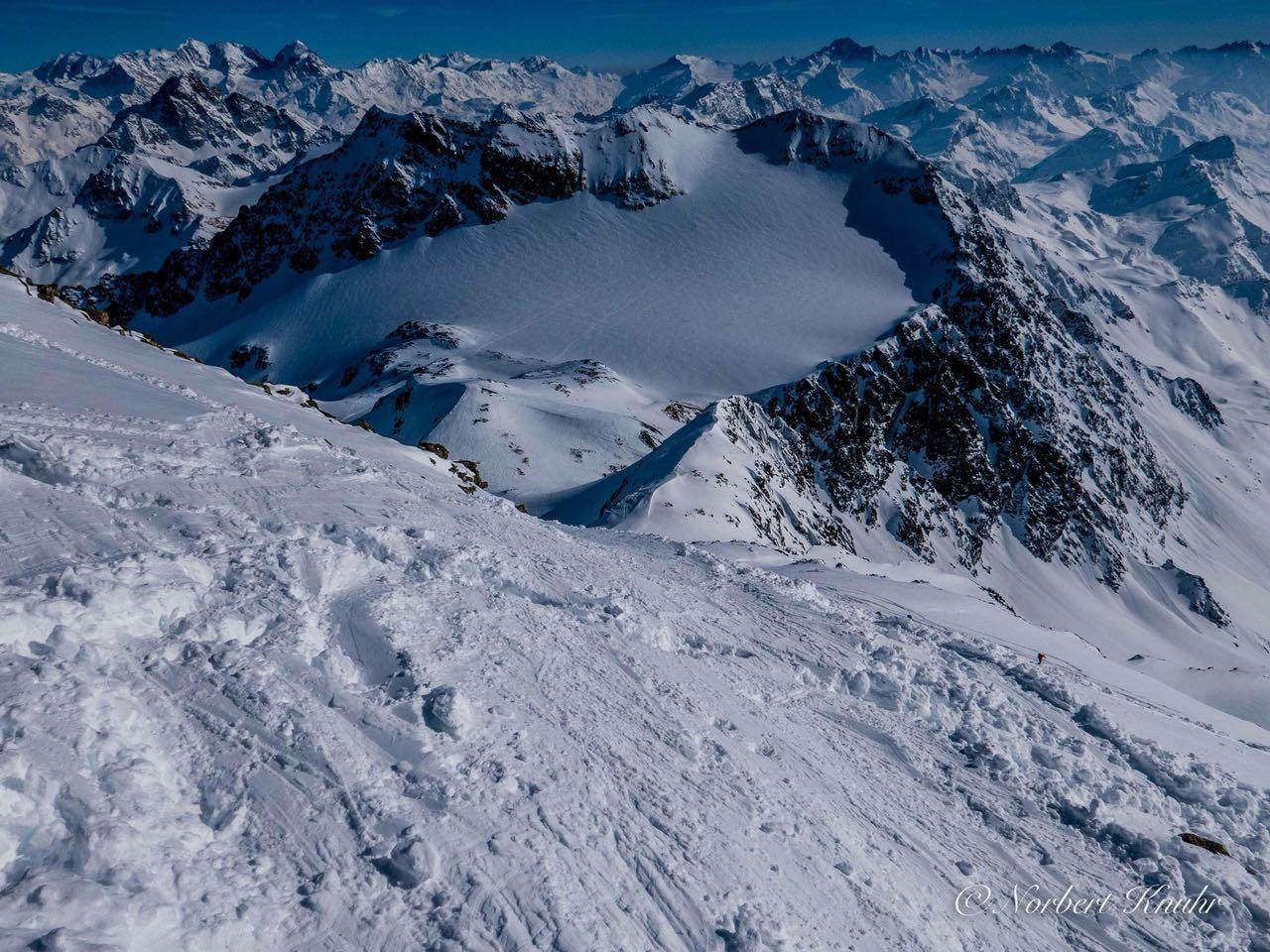 03 Blick in den Festsaal der Alpen