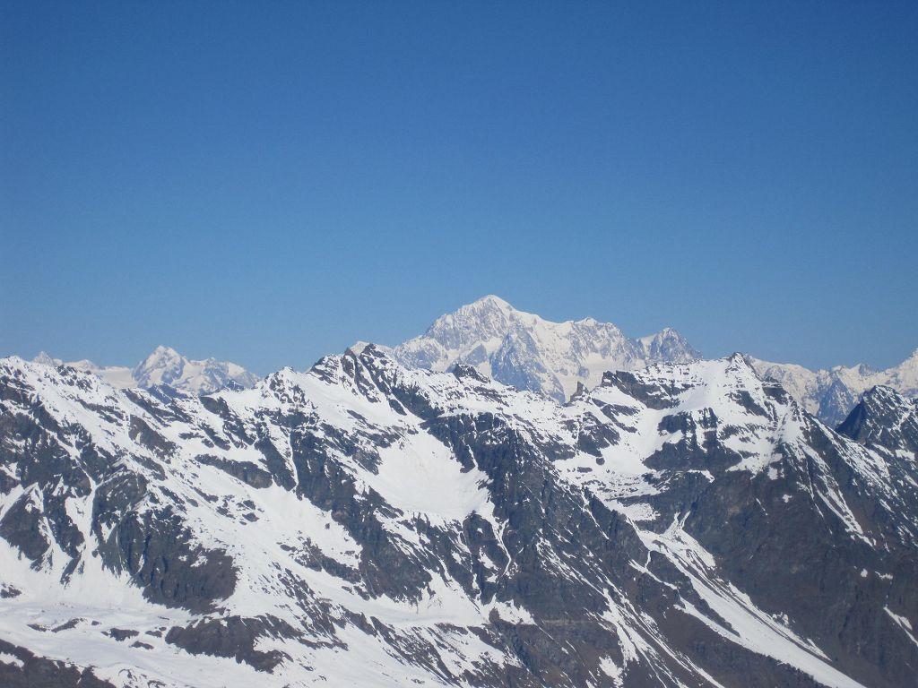 22 Imposanter Blick zum Mount Blanc