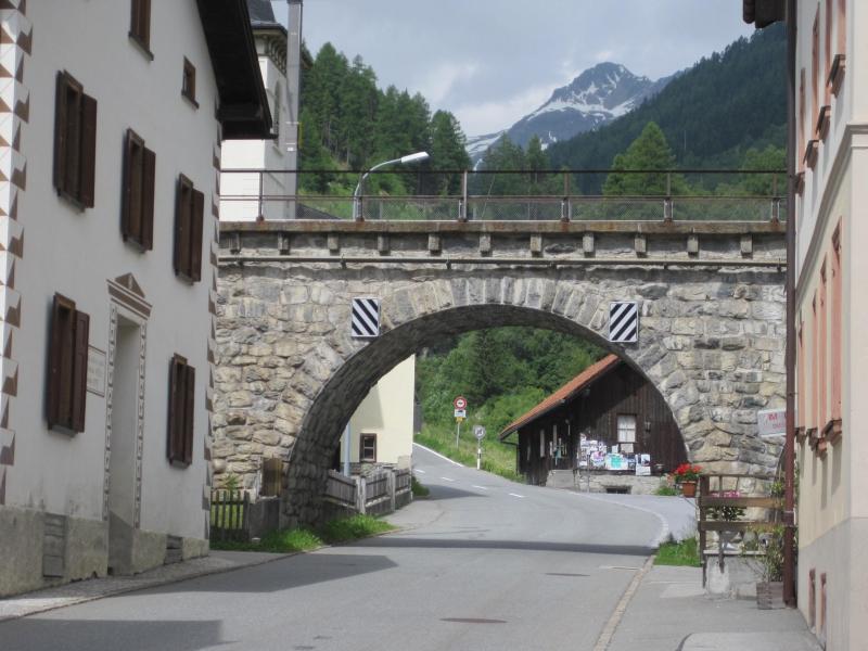 32 Viadukt in Susch