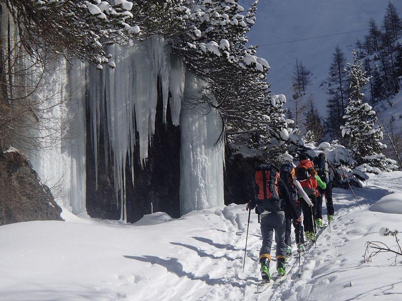 02 Wasserfall am Hüttenzustieg