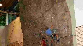 Kletterwand01_klein