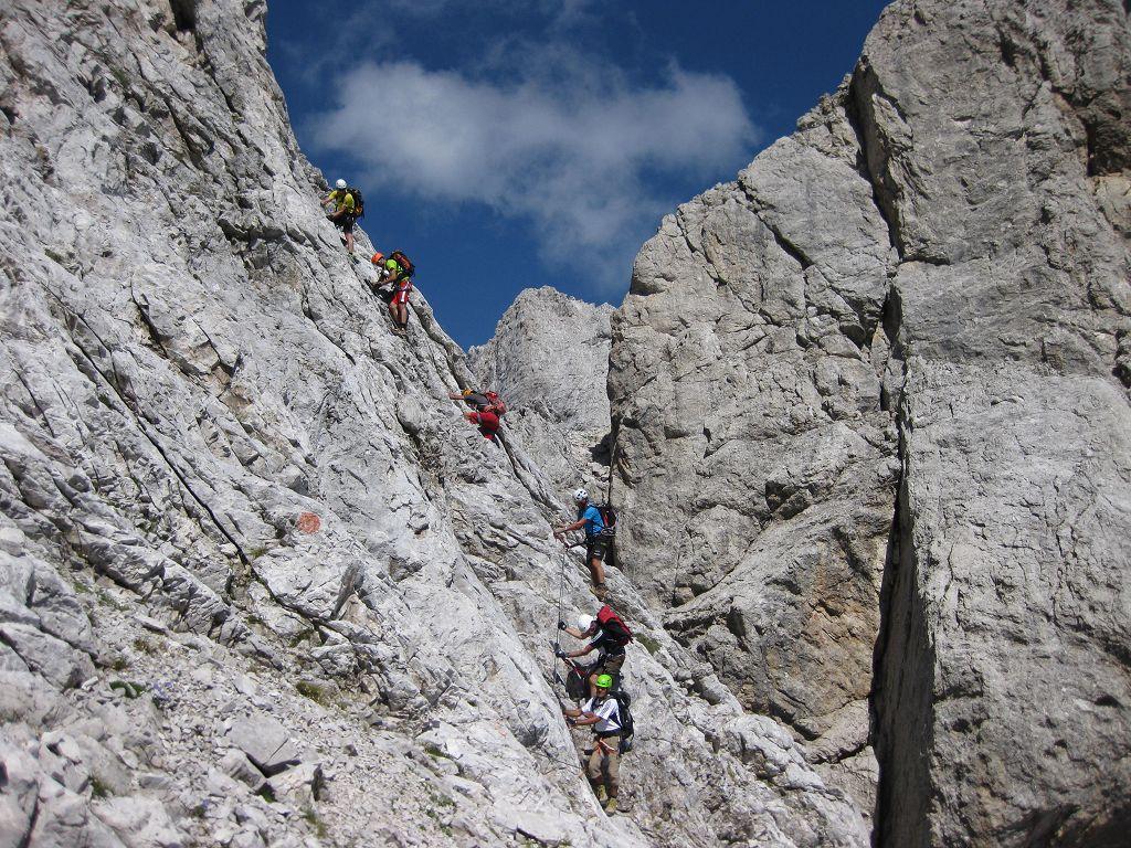Klettersteig Via Ferrata : Via ferrata zacchi màrmol bergsteigen